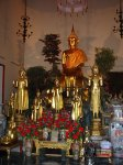 Buddhové v jedné z postranních svatyní