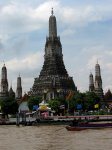 Monumentální chrám na břehu Chao Phraya